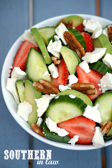 Healthy Strawberry Salad with Easy Homemade Balsamic Vinaigrette Recipe - low fat, gluten free, grain free, egg free, clean eating recipe, low calorie