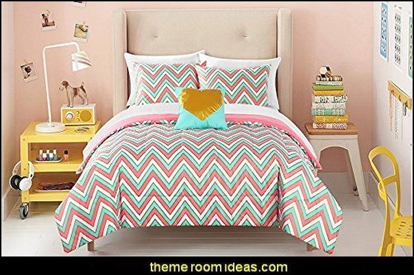 Zigzag Bedding  zig zag bedroom decorating ideas - Zig Zag wall decals - Chevron bedroom decorating ideas - zig zag wallpaper mural - zig zag decor - Chevron ZIG ZAG print - Herringbone Stencil - chevron bedding - zig zag rugs -