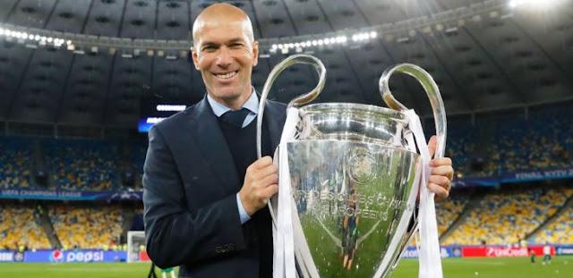 Valentino Rossi Geleng-Geleng Kepala dengan Mundurnya Zidane