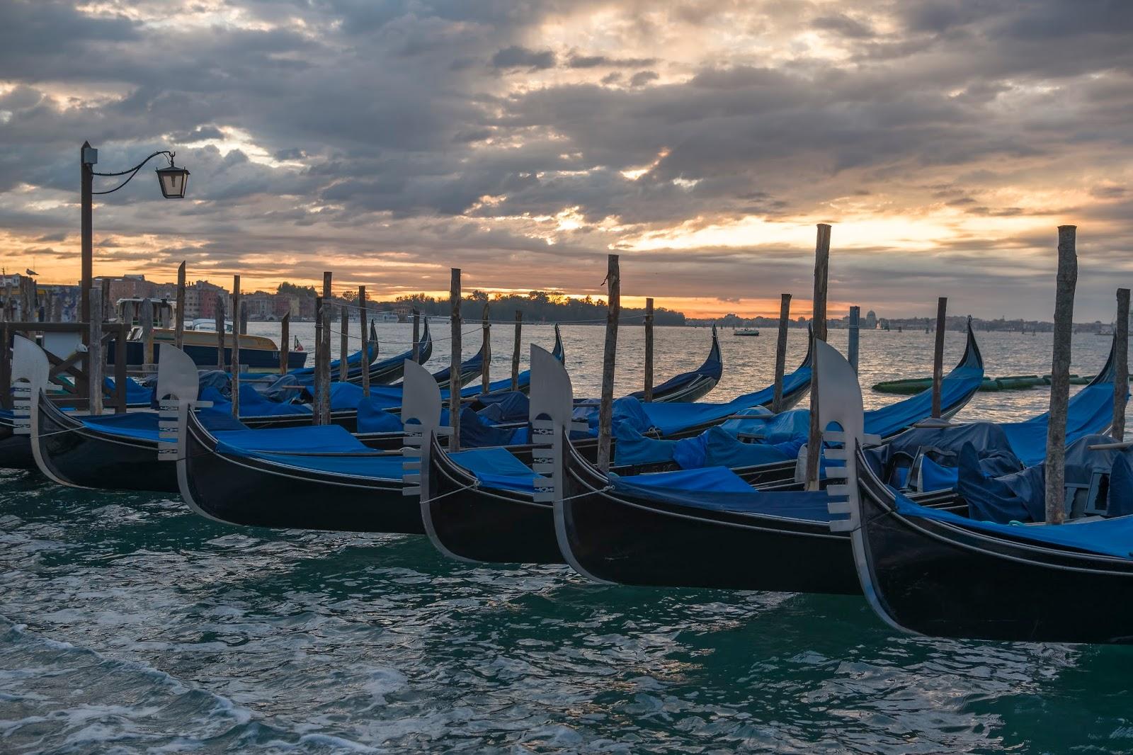 Gondoles Venise Italie