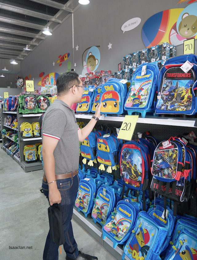 Which of these kids school bags should I get?