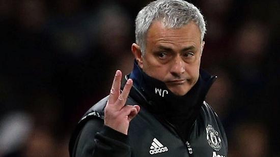 Jose Mourinho dẫn dắt Chelsea với mức lương 8,5 triệu bảng.