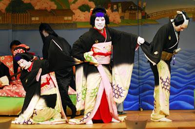 Keunikan Kostum Aktor Teater Kabuki