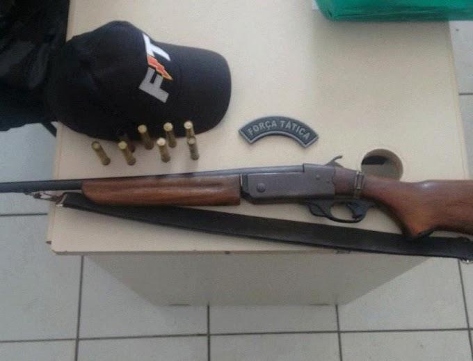 FORÇA TÁTICA: Mais uma prisão por porte ilegal de arma de fogo na Zona Rural de Caxias