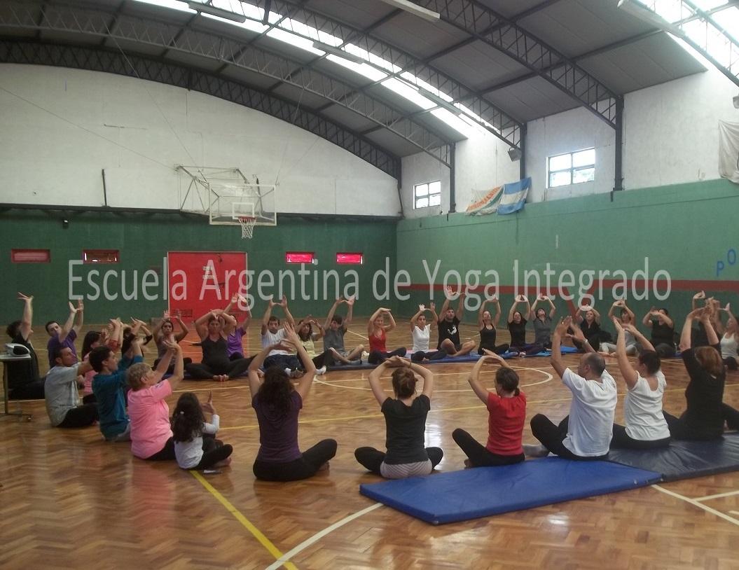 Curso gratuito - Promotor en Yoga Artistico deportivo  Modulo 1 ... c34a768ddc03