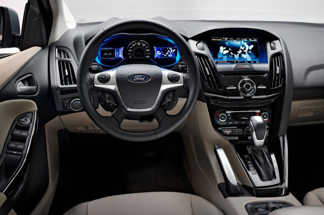 Ford Focus 2016 or VW Golf VII 2016