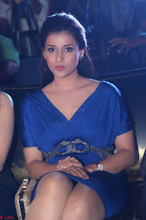 Mannara Chopra in Short Blue Dress at Rogue Movie Teaser Launch 1st March 2017 008.JPG