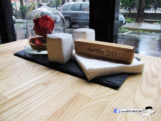 IMG 0660 - 【台中美食】1770 cafe ,置身在彩虹屋底下的美食饗宴,餐點讓你隨意搭配,想吃甚麼就搭甚麼