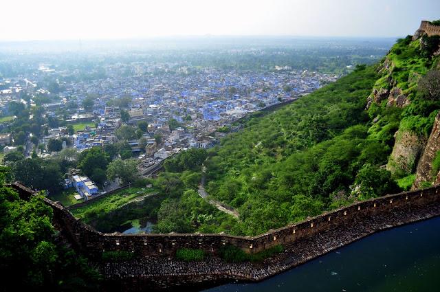 chittorgarh fort life rajasthan town heritage blue green baoli stepwell