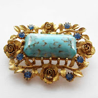 Exquisite brooches