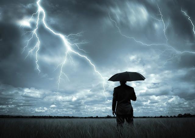 La radio tiene la capacidad de captar el sonido de tormentas lejanas