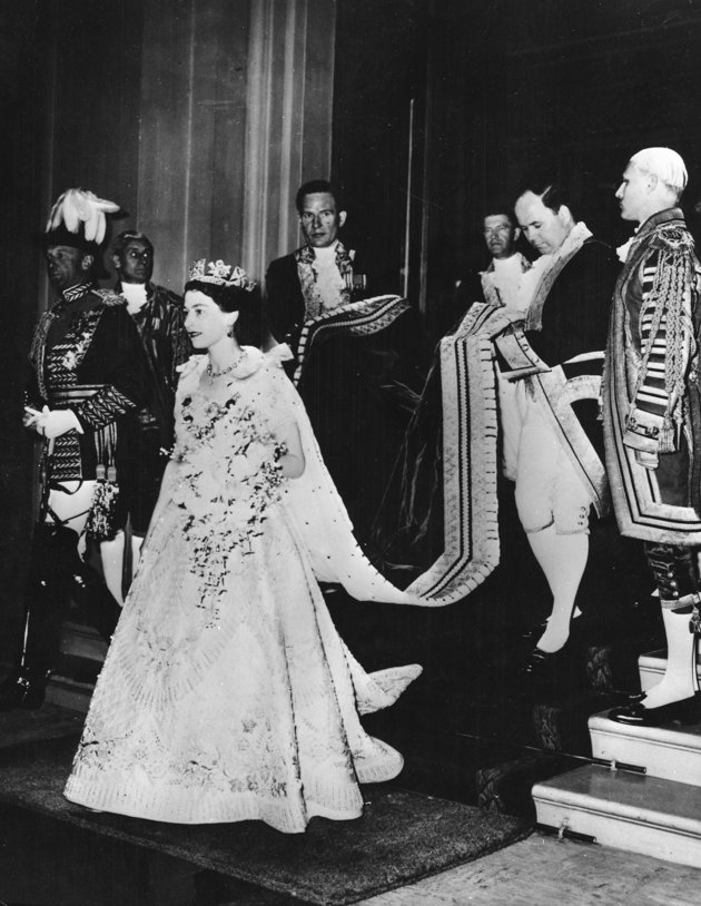 crowning of elizabeth ii