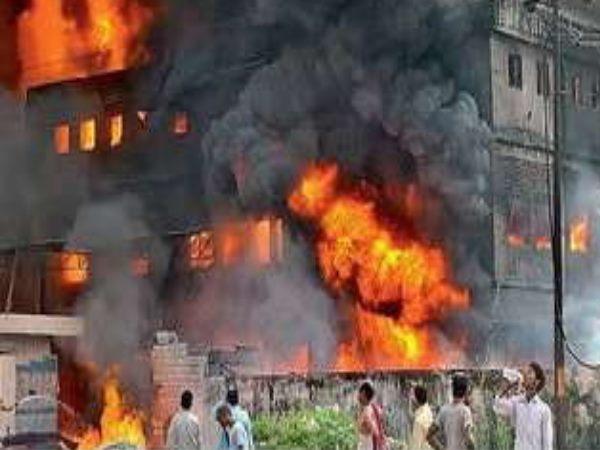 बिहार के इस जिले में लगी भयानक आग  , 100 करोड़ की संपत्ति जलकर खाक