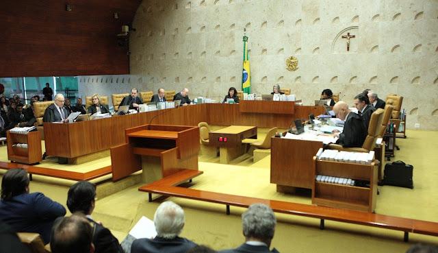 Ministros durante a sessão de julgamento do habeas corpus preventivo pedido pela defesa do ex-presidente Luiz Inácio Lula da Silva