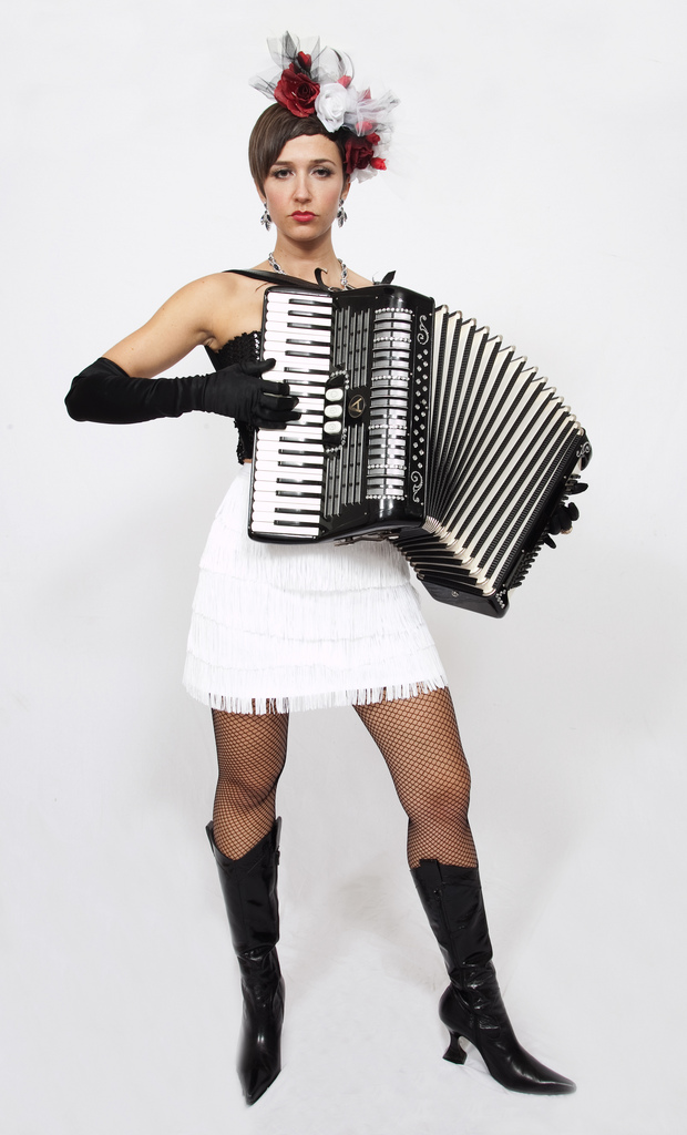 MISS NATASHA ENQUIST: ELECTRO-ACCORDION CHANTEUSE: 2009