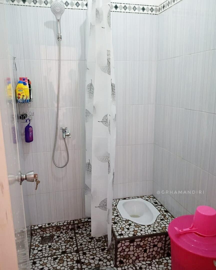 Desain Kamar Mandi Minimalis Kloset Jongkok Shower Desain Rumah