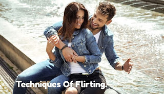 learn best 10 Smart Techniques Of Women & girls Flirting)