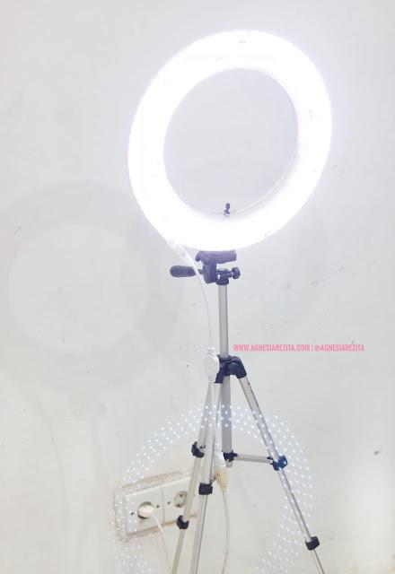 Ringlightku, Lampu Rias Handmade Harga Minimal tapi Hasil Maksimal