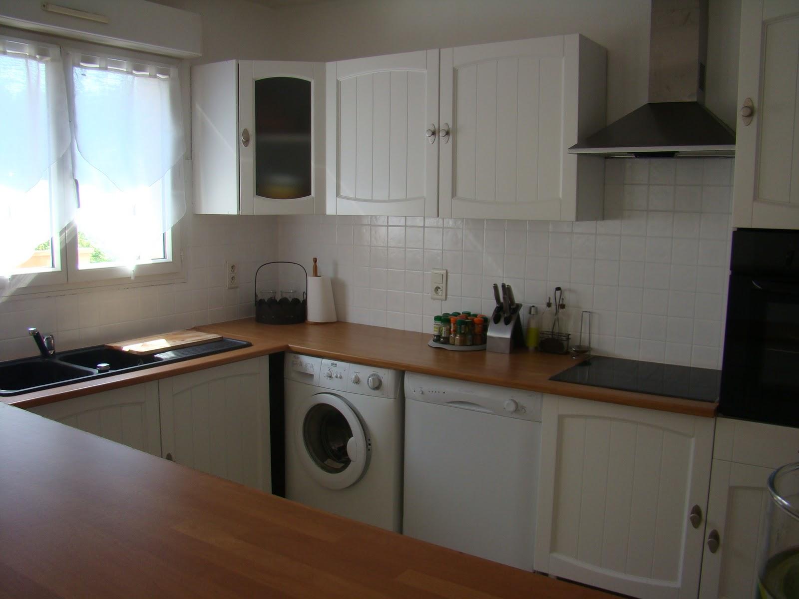installation d 39 une cuisine am nag e. Black Bedroom Furniture Sets. Home Design Ideas