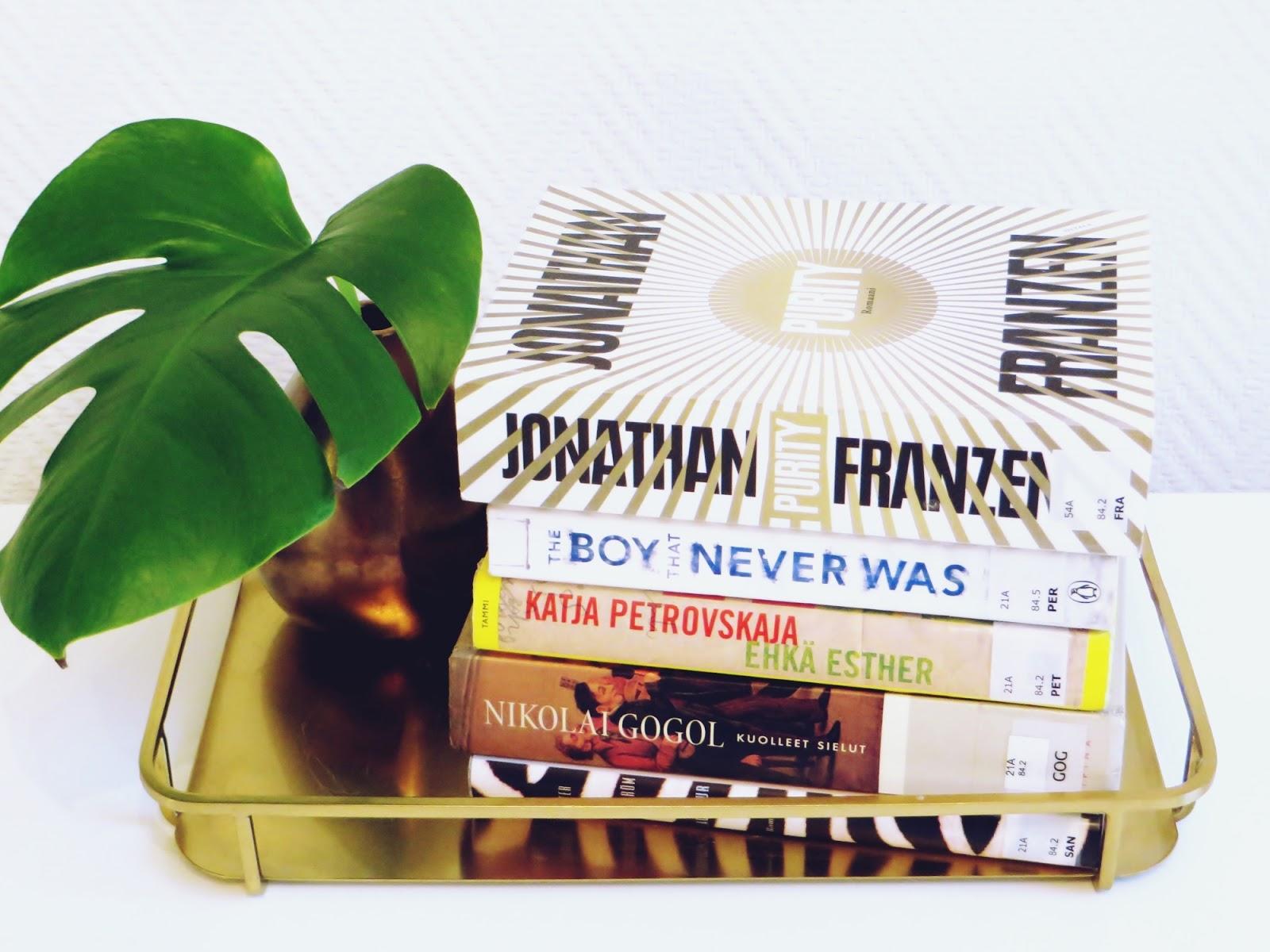 kirjat, books, peikonlehti
