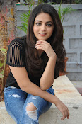 Wamiqa Gabbi stylish photo shoot-thumbnail-1