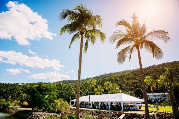 beachfront wedding venue cairns airlie beach nadine kemp photography