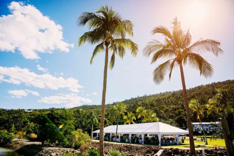 beachfront wedding venue cairns airlie beach nadine kemp photography