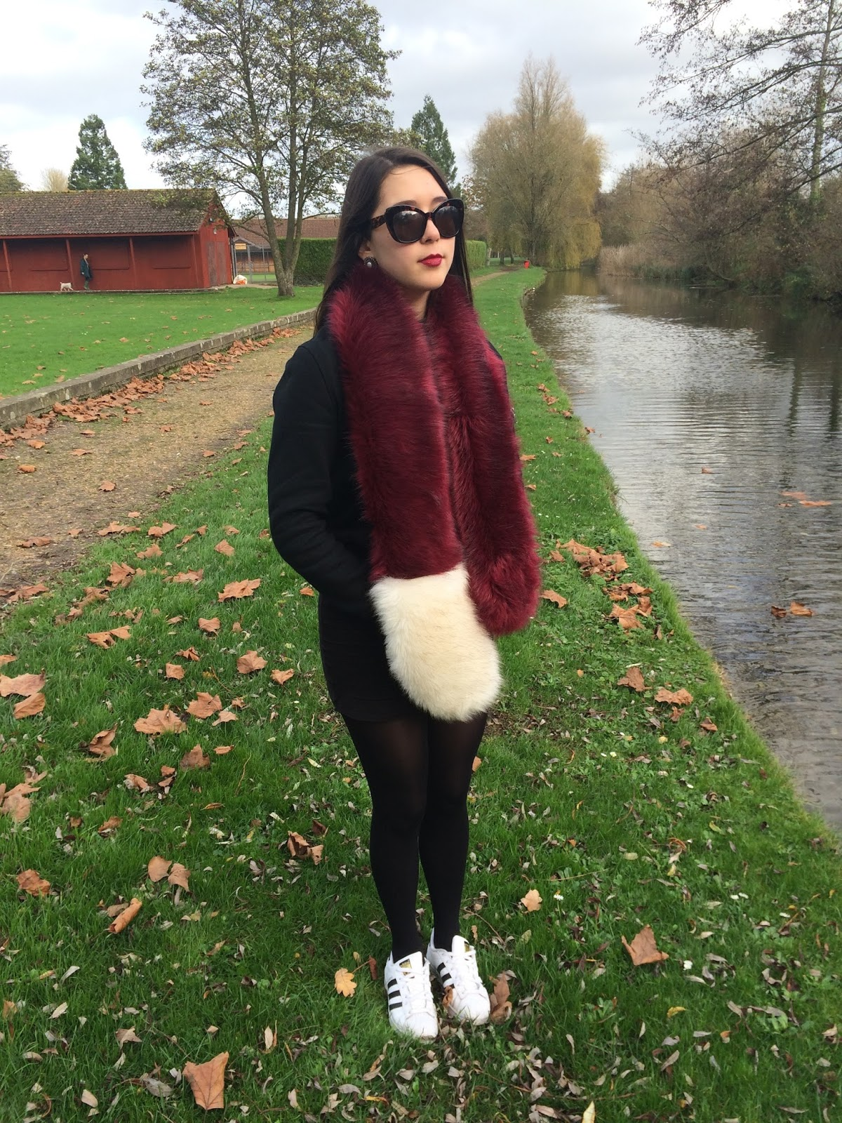 OOTD outfit post, look street style fashion blogger, fur stole topshop