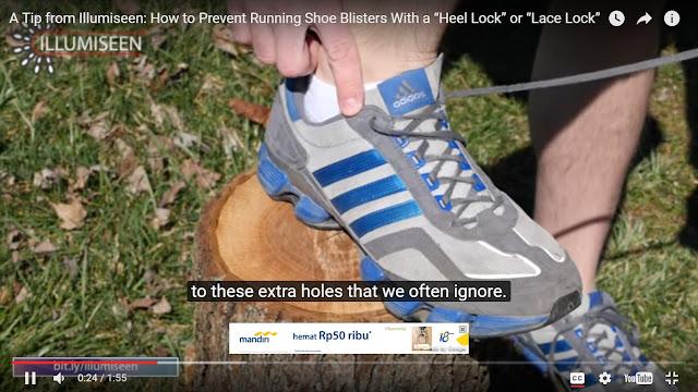 Lubang tali sepatu tambahan di ujung sepatu.