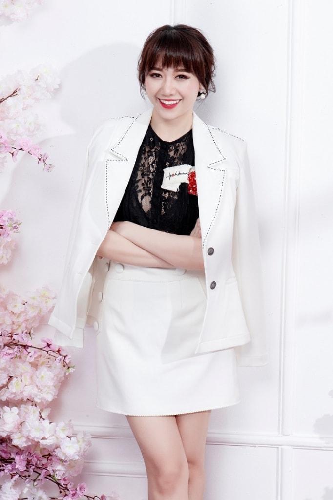 Hari Won khoe dáng với phong cách thanh lịch, nữ tính -1