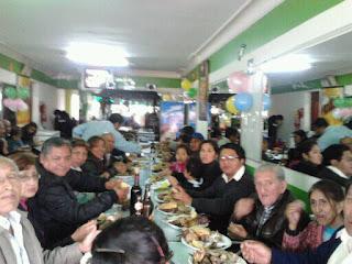 Resultado de imagen para almuerzo de familia grande