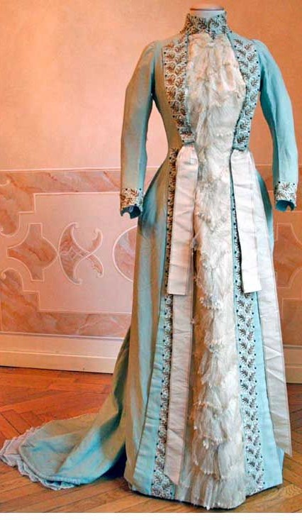 Time Traveling in Costume: INSPIRED TO MAKE AN 1870s WORTH TEA GOWN