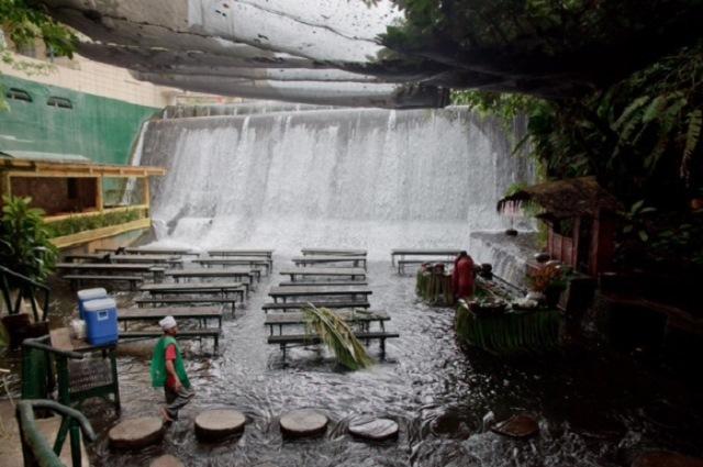 Şelale Restoran – Filipinler