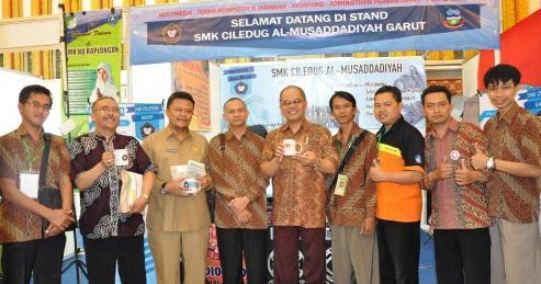 Bapa Kepala Sekolah SMK Ciledug Bersama Jajaranya