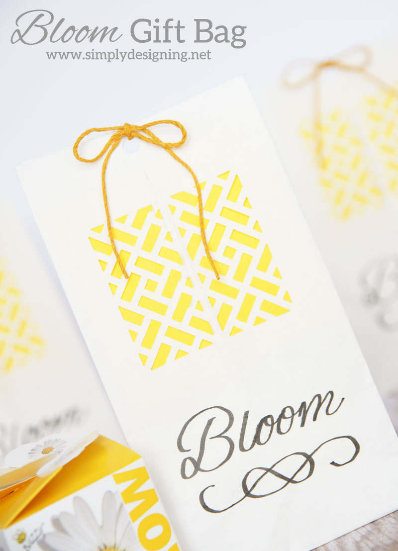 Bloom Gift Bags   a perfect simple homemade gift bag for a spring gift, wedding favor, baby shower favor or even a wedding gift   #wedding #spring #gift #handmadegift #flowers #babyshower #teacherappreciation