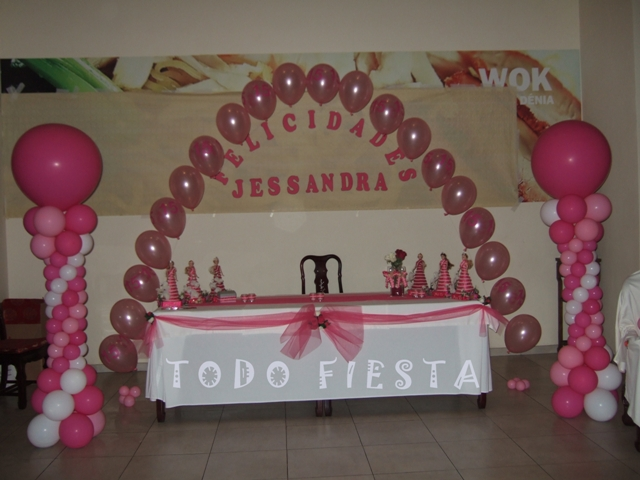 Decoraci n con globos de todo fiesta decoracion para 15 a os for Webs de decoracion
