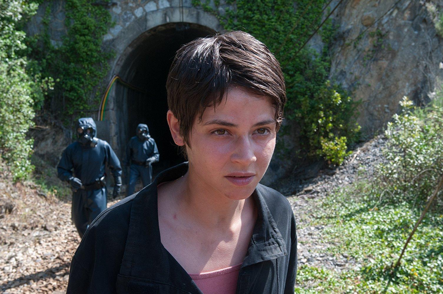 Alba Galocha es Zoe en La zona
