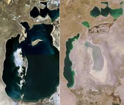 A comparison of the Aral Sea in 2000 and 2014 showing its decreasing size due to fresh water mismanagement.