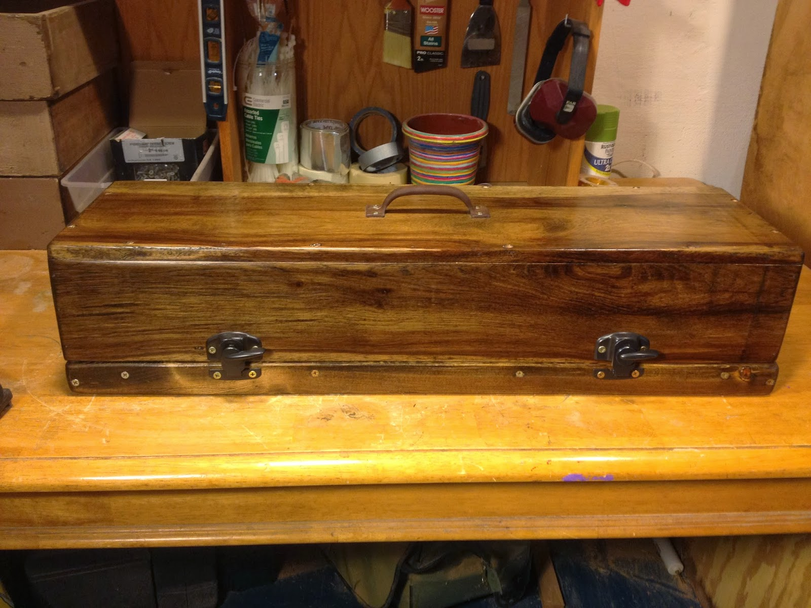 larson works a gorgeous very old looking handmade wooden guitar pedal board and case. Black Bedroom Furniture Sets. Home Design Ideas