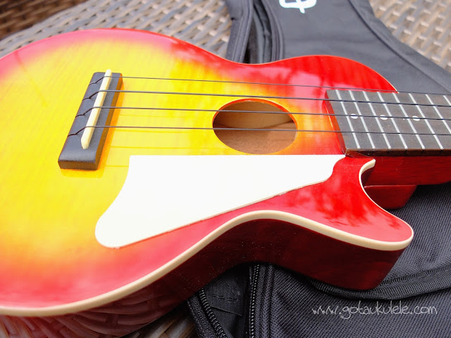 Epiphone Les Paul Ukulele sound hole