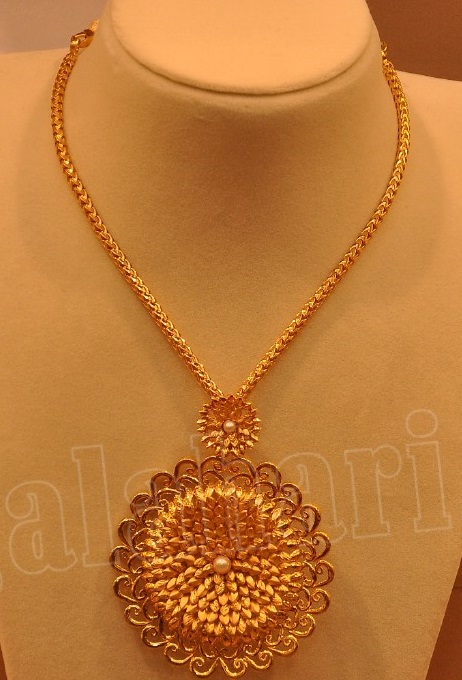 Simple Gold Necklace by Malabar Gold - Jewellery Designs
