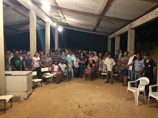 Sandra Kennedy é recebida por moradores do Jd. Vitória em reunião para discutir melhorias no Bairro