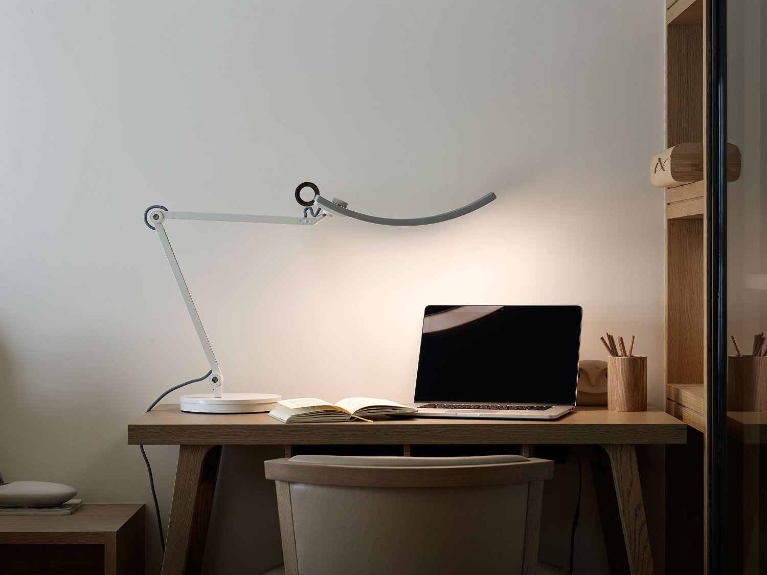 Benq Lamp World S First E Reading Lamp By Benq Benq Candy Crush And