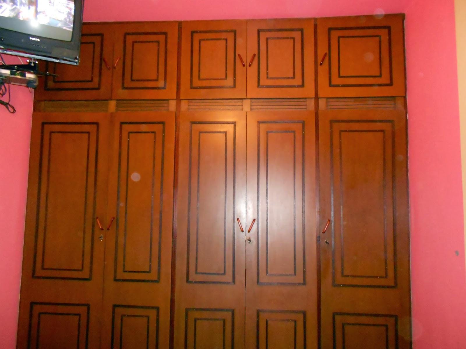 sala de jantar armário tipo arca de parede a parede #7F370E 1600x1200