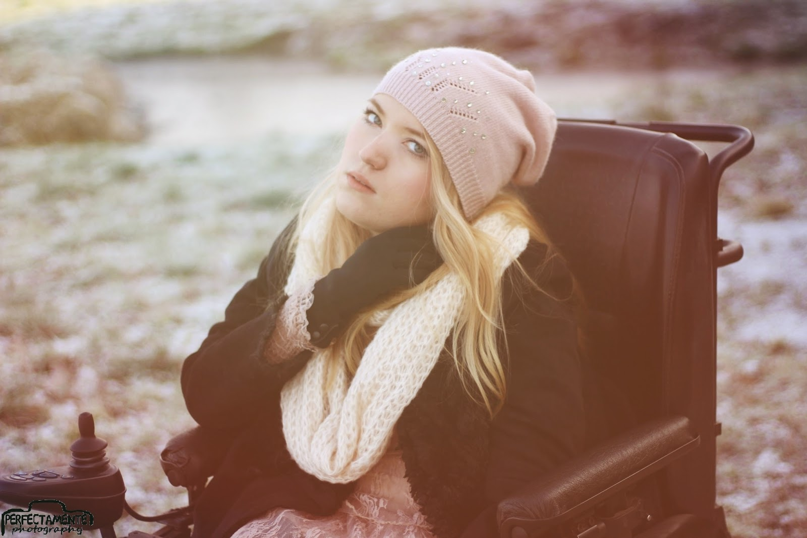 winter style for blonde girl