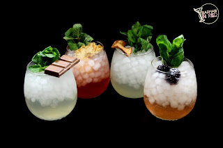 4 cocktails moscow mule barman in red