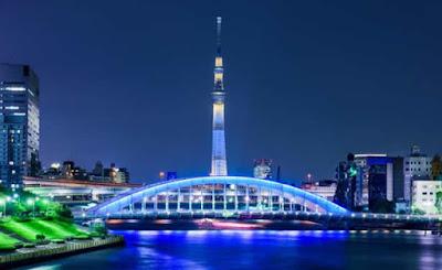 Torre Tokyo Skytree foi iluminada com as cores dos aros olímpicos