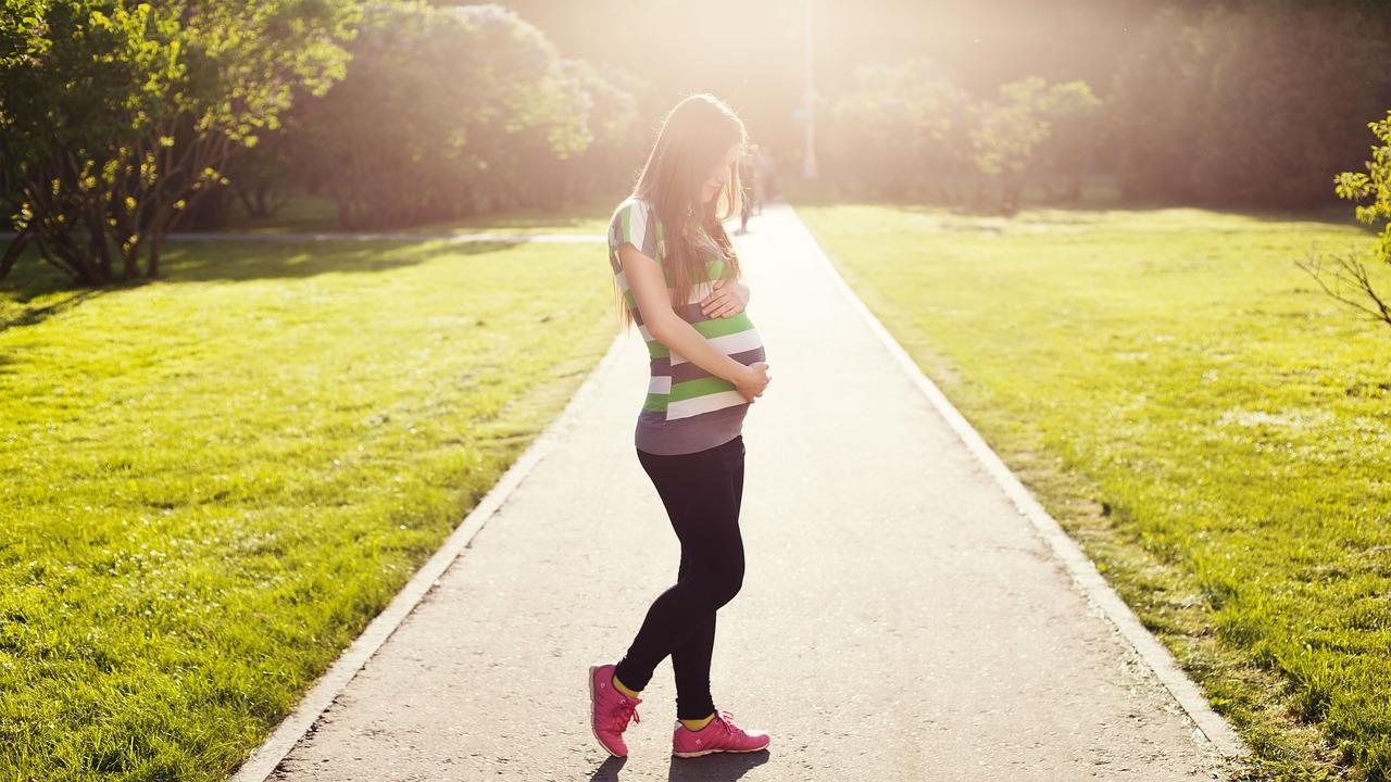 5 Cara Menjaga Kesehatan Bayi di Dalam Kandungan