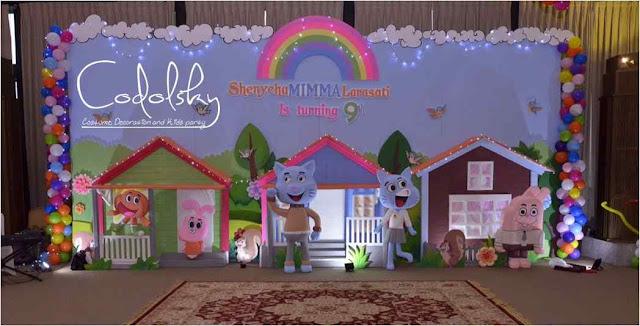 Dekorasi backdrop panggung dan balon ulang tahun anak (Kids birthday party) tema gumbal di gedung.