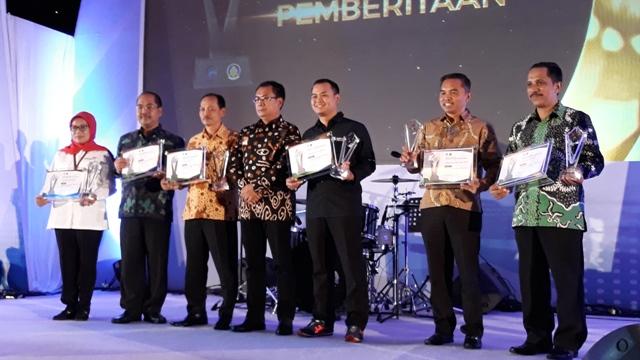 Kado Akhir Tahun, Padang Pariaman Raih Penghargaan Terbaik II Anugerah Media Humas 2018